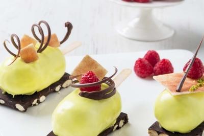 CHOCOLEMONUT CAKE