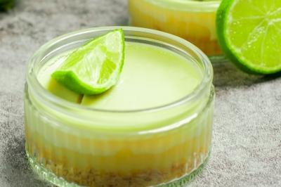 Kombinasi Dessert Favorit! Jelly & Cheese Cake in Jar